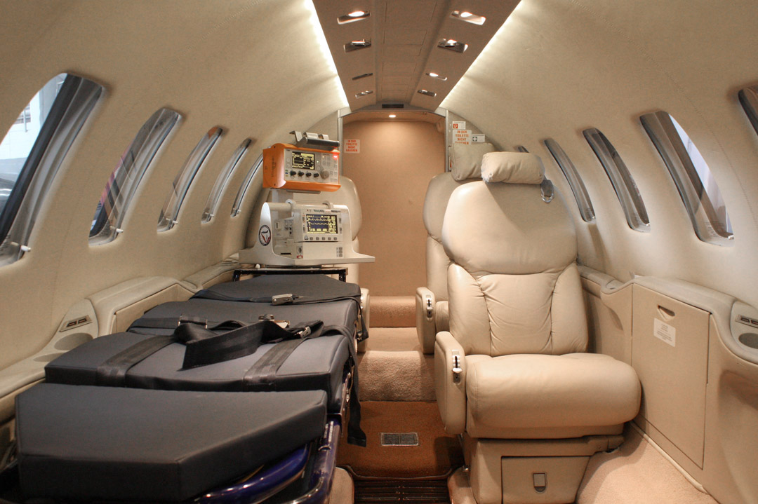 Air Ambulance Cost from Mumbai to Lucknow